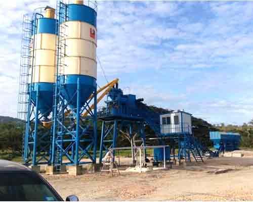 Wet batch concrete plant machine